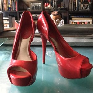Red Heels 👠 size 8